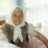 старенькая мама
